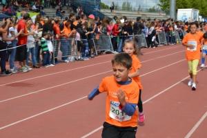 niños corriendo carrera discapacidad getafe